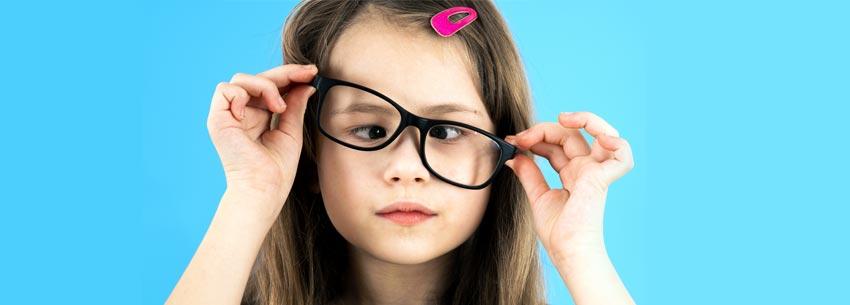 strabismul-sau-devierea-ochiului-opticlinic-med